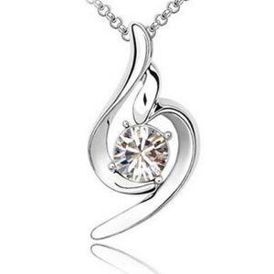 Pretty little pendant necklace